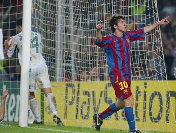 Primer gol de Leo Messi en Champions League